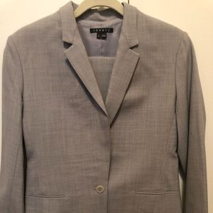 Light grey Theory suit